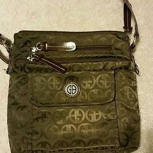 Brown Giani Bernini crossbody purse