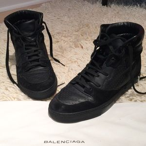 Balenciaga High Tops in black Leather and Suede