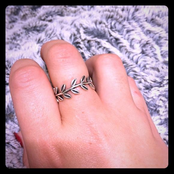bc22ff130 Pandora Laurel Wreath Laurel Wreath Ring ...