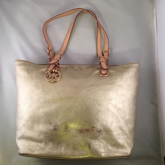 c969d408068 Michael Kors Handbag Tote Shopper ~ Gold Metallic.  M 57020206bf6df5c3720dd1c0
