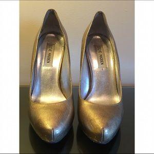 Steve Madden Shoes - Steve Madden Vivvaa Gold Pumps