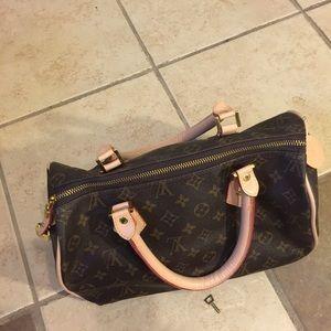 Handbags - Beautiful bag.