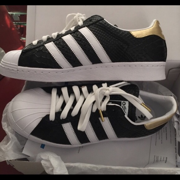 0d9d12ff733f Adidas Shoes - Custom adidas superstar