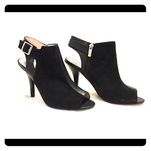 Vince Camuto black suede/leather slingback booties