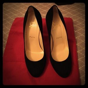 WORN ONCE Christian Louboutin Suede Heels in 38.5