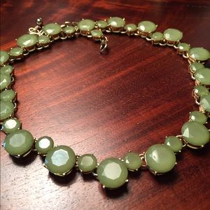 Charming Green Statement Necklace 💕💕