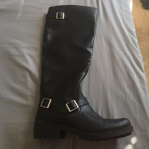 ladies boots size 8.5