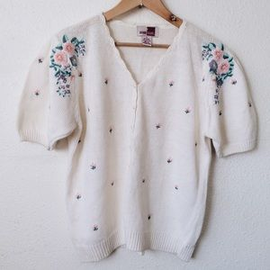 Sweaters - 👇🏽Vintage embroidered flowers cardigan