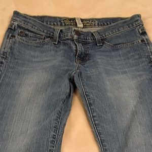 Abercrombie & Fitch jeans.
