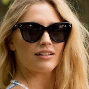 Quay Accessories - Quay Australia Sunglasses. Summer Fling