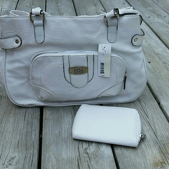a45124725f GEORGE Women s Vegan Leather White Bag BNWT