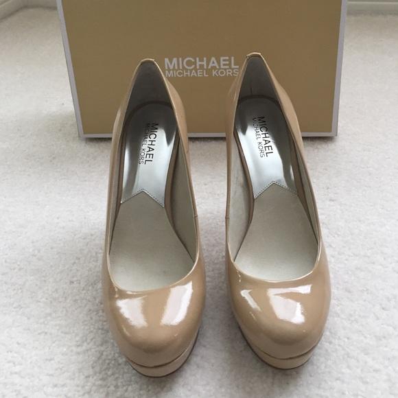 be630ebf00047 NWT Michael Kors Ionna Pump Nude Color Shoes