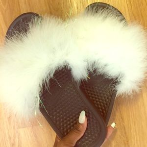 Faux fur sandals