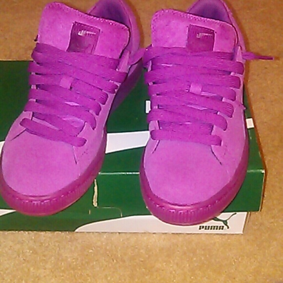 02c66cd381c804 Hot pink puma suede classics