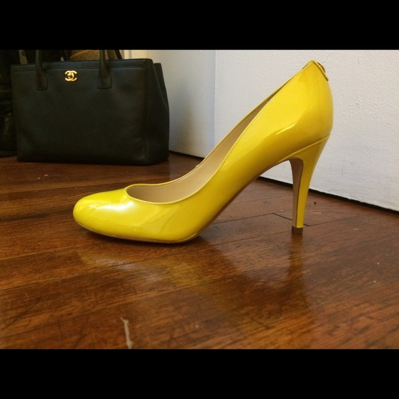 Ivanka Trump Yellow Patent Leather Pumps 9.5