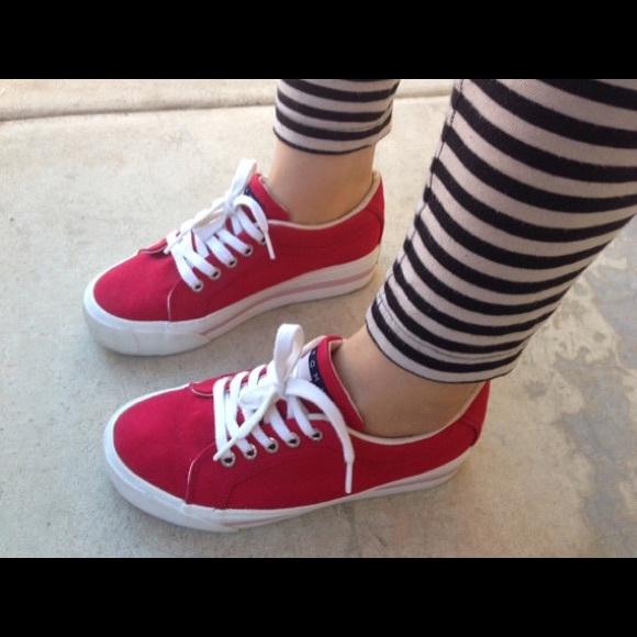 4b30091d9ad237 Red Tommy Hilfiger platform sneakers. M 57031cf541b4e053610145f9