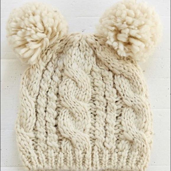 d1435ad9c8269 Urban outfitters double Pom Pom knit wool beanie. M 570352bb7f0a05eaf80ffa23