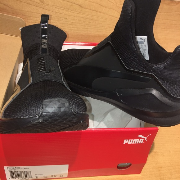 kylie jenner black puma shoes