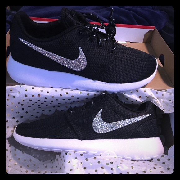 3928ae3b394a0 Women s Nike Roshe Run