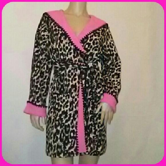 8bd03da49c Betsey Johnson Other - Betsey Johnson Plush Robe w  Hoodie