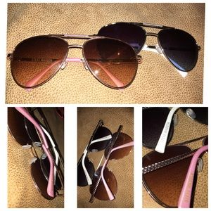 1 pair of Steve Madden sunglasses, pink and white