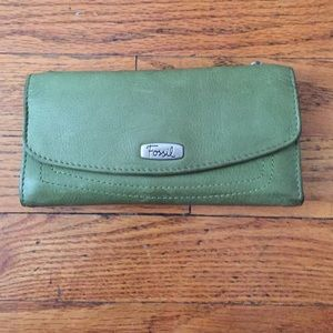 Fossil green leather trifold clutch wallet
