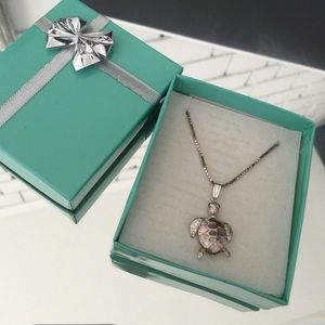 Jewelry - Italian turtle necklace in sterling silver