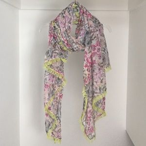American Eagle Outfitters Accessories - NWOT American Eagle Scarf