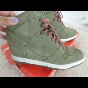 Women's Nike Ski Hi Dunks