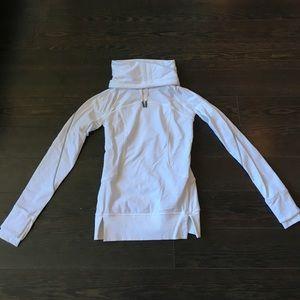 Lululemon Flurry Flighter white pullover size 2