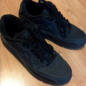 reputable site e8ea5 1e80b Nike Shoes - Matte black Nike Air Max 90