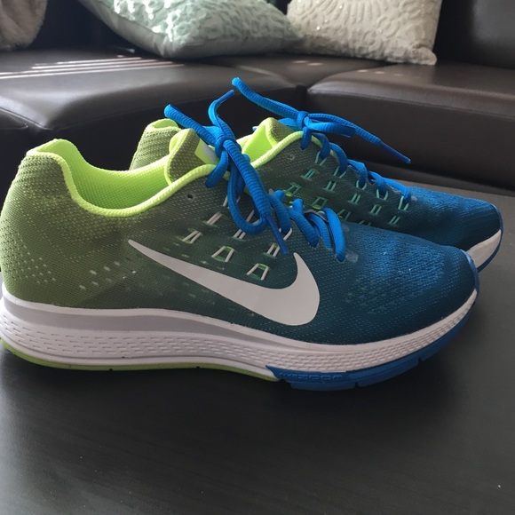 Nike air zoom structure 19... size 7
