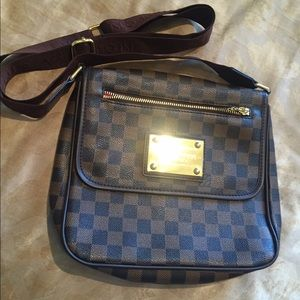 Handbags - Brown Crossbody Purse