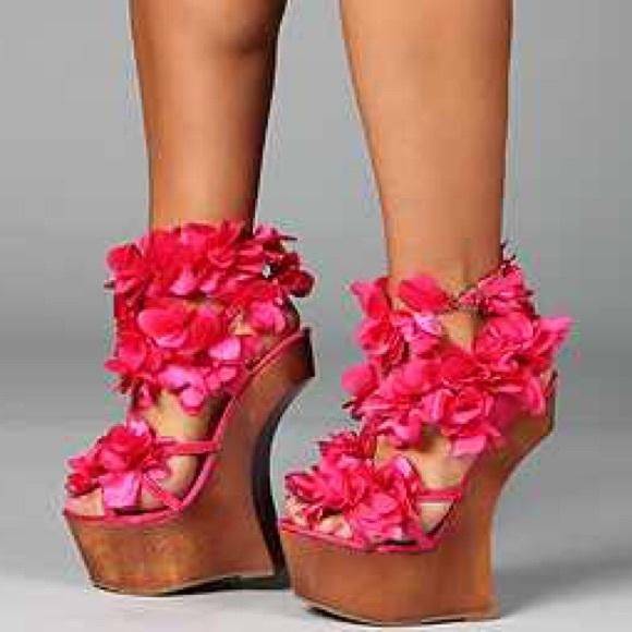 Privileged shoes new pink flower heels wedge platform 10 poshmark new pink flower heels wedge platform 10 mightylinksfo