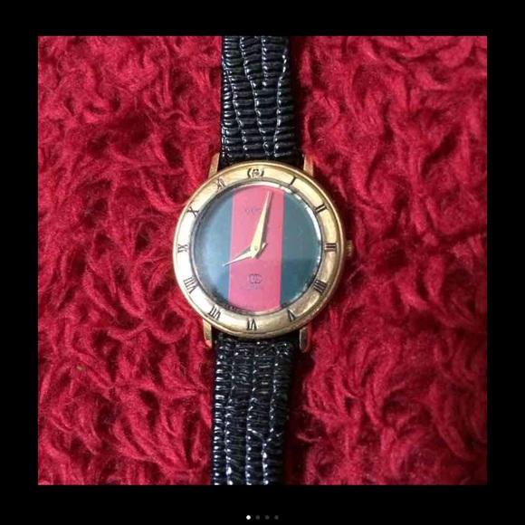 35d373fd13b Gucci Accessories - Authentic Vintage Gucci Women s watch
