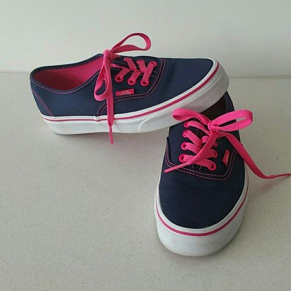 Navy blue   Hot pink Vans. M 57045619fbf6f90a7c0063cb 4ae1e09b6e9f