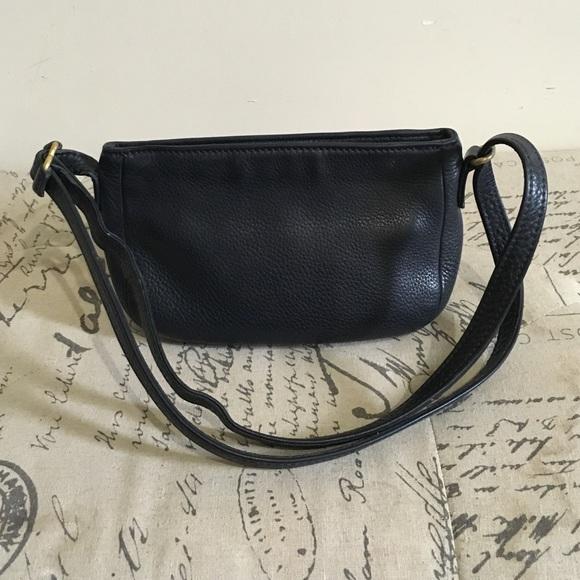 Coach Handbags - Coach pebble grain leather crossbody bag 58daad64d3acc