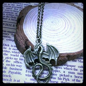 Jewelry - Retro Bronze Dragon pendant necklace