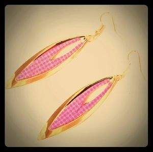Jewelry - Light Rose & Gold Dangling Earrings