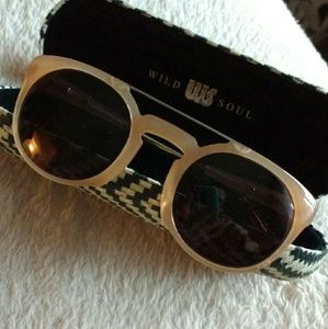 Wild Soul Accessories - Wild Soul Tan Round Aviator Sunglasses