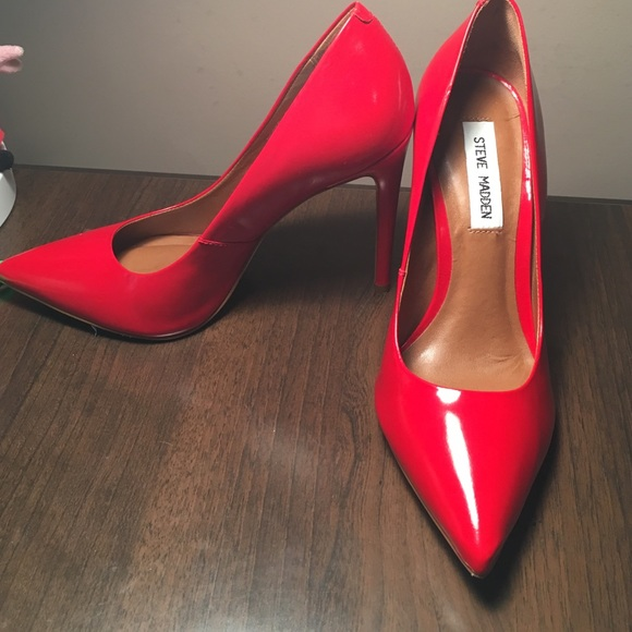 NWT Steve Madden Proto Heels - Red 7.5. M 570479204225be73a1000308