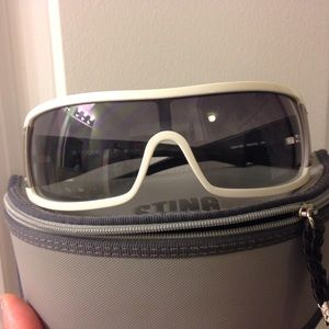 Vogue Accessories - Volgue sunglasses
