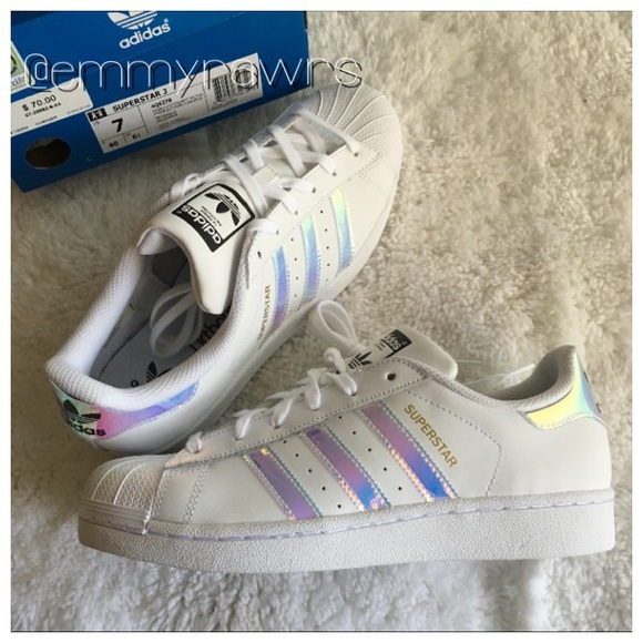 detailed look 42036 251ed Sold Sz 7 • Adidas Superstar Iridescent Stripes