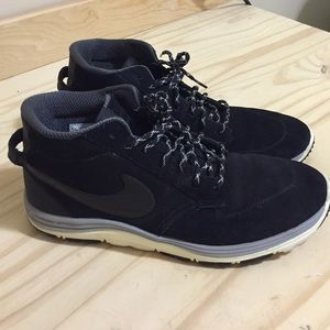 1de717b5a2c4 Nike Shoes - Men s Nike Lunar Braata Mid Oms