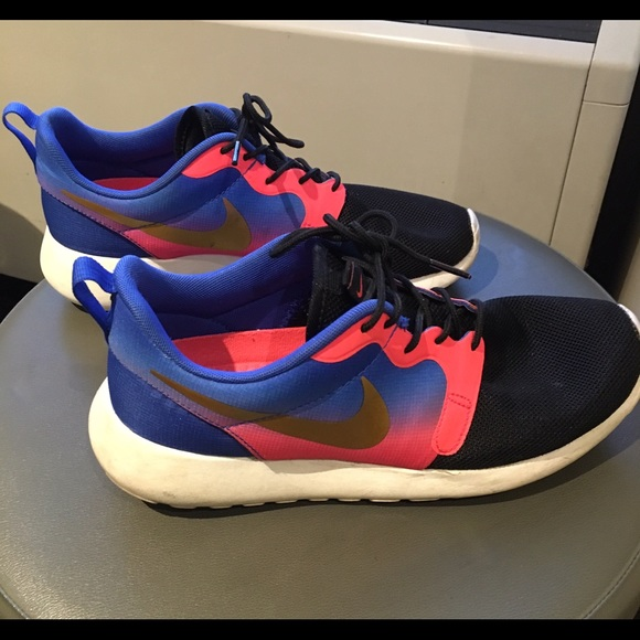 Nike Roshe Run limited edition colors