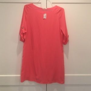 NWT Everly sz M coral shift dress.