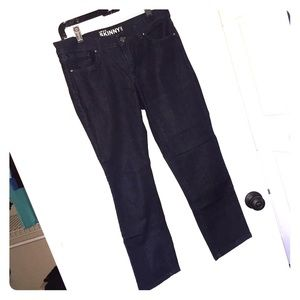 NY&Co. Low Rise Skinny Ankle Jeans