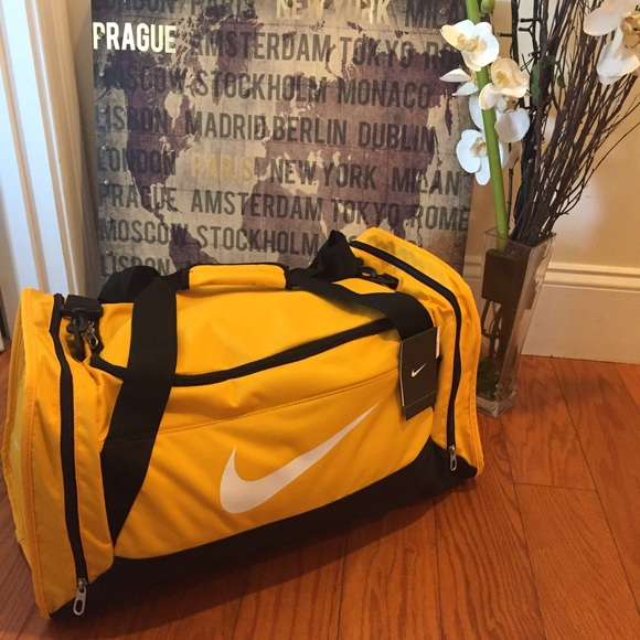 New with tags nike duflle bag 42f07075f