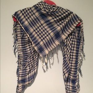Accessories - Blue and white checked scarf