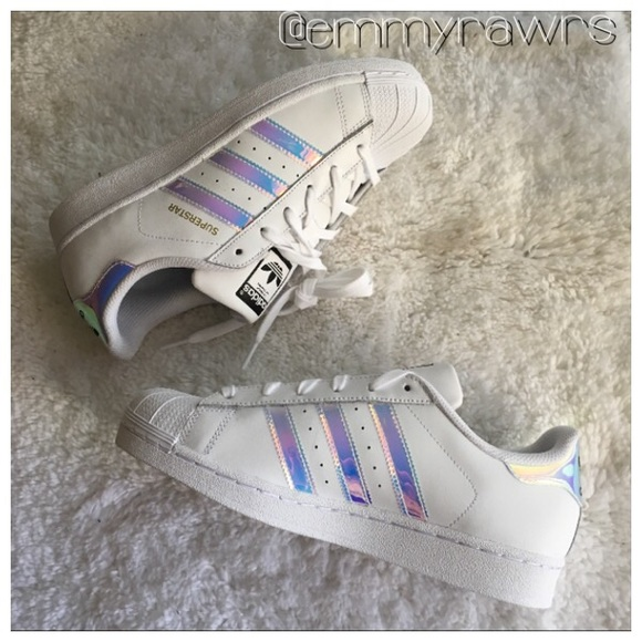 detailed look 324a9 6f259 Adidas Superstars Holographic Iridescent Stripe